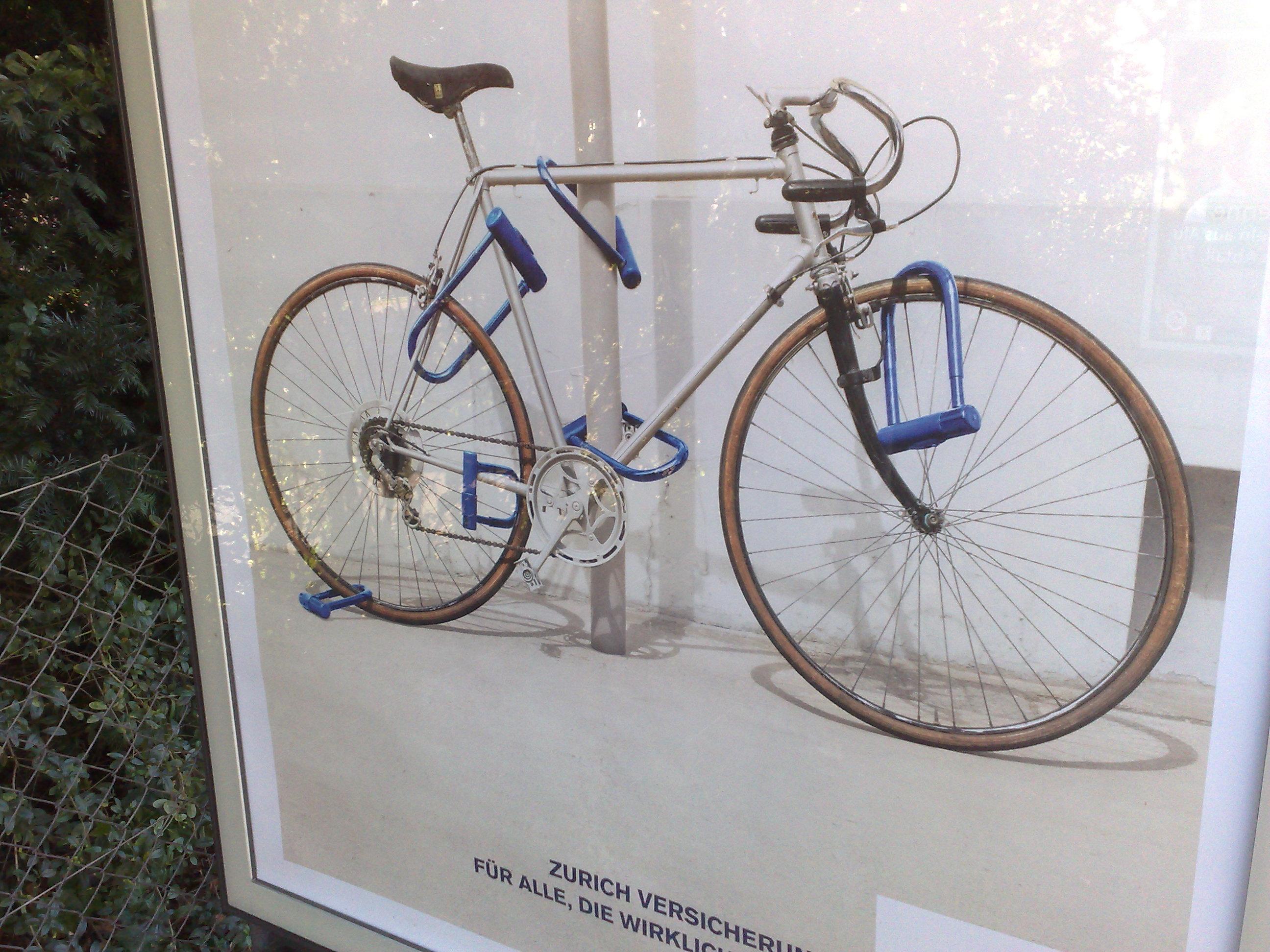 Plakatkampagne mit Fahrradschlössern